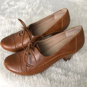 brown oxfords!